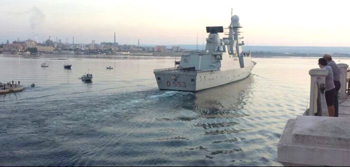 Nave Doria crosses the Taranto channel for the first time