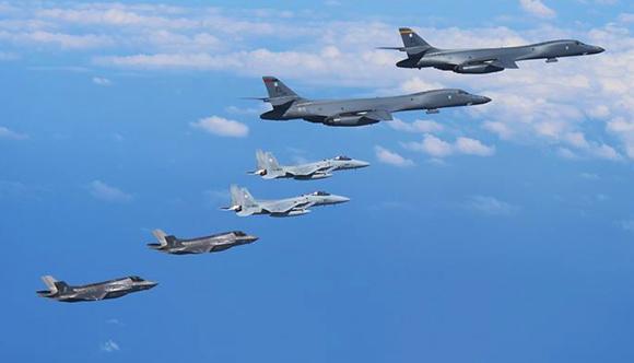 Cina pronta ad intervenire nel conflitto tra Corea del Nord e Usa