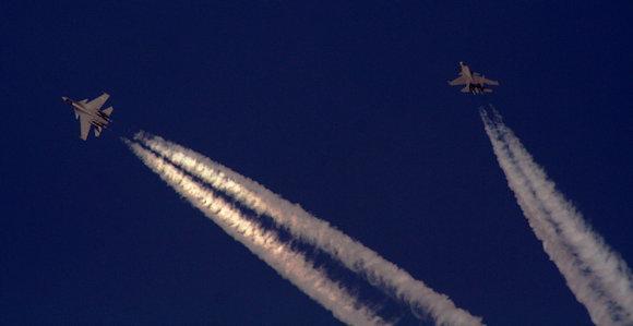Tensione nei cieli, caccia cinesi intercettano aereo Usa