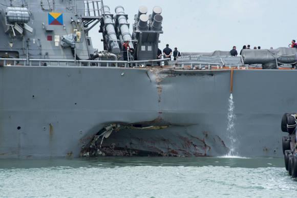Singapore, scontro tra un cacciatorpediniere Usa e una nave mercantile: 10 dispersi